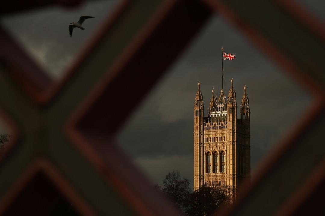 2018年12月10日,當地10日上午,歐洲法院宣布一項裁決,指英國無需經過27個成員國許可,可以單方面取消脱歐。圖為英國倫敦西敏寺。 攝:Daniel Leal-Olivas/AFP/Getty Images