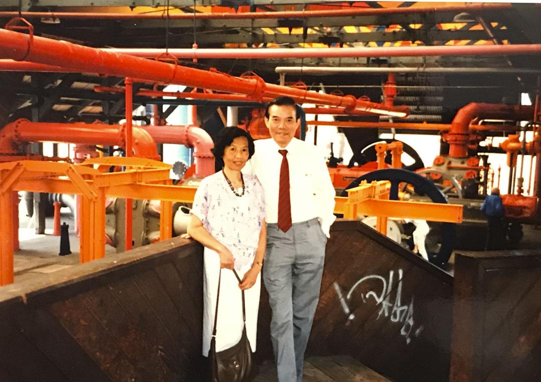 彭耀坪跟太太楊潔璦旅行時的合照。