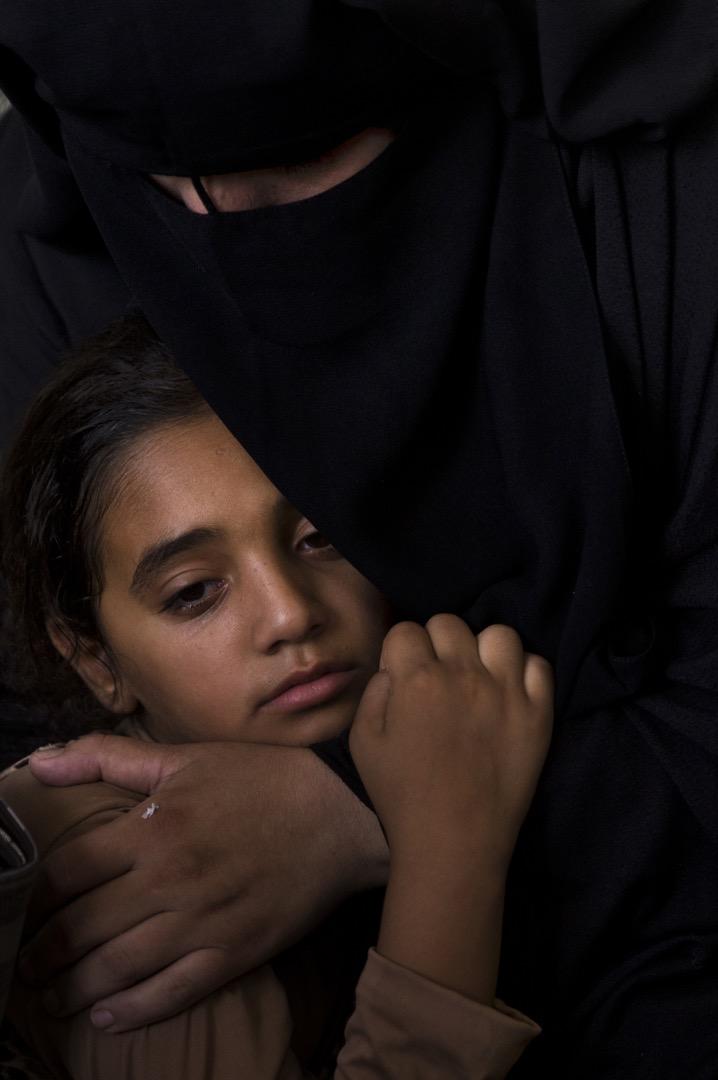 2018年7月28日,巴勒斯坦加沙地帶與以色列邊境接壤地區持續發生衝突,一名12歲的巴勒斯坦男孩Majdi al-Satari上週五在衝突中被以色列軍隊槍殺,死者家屬在拉法市的家中為男孩舉行葬禮哀悼。