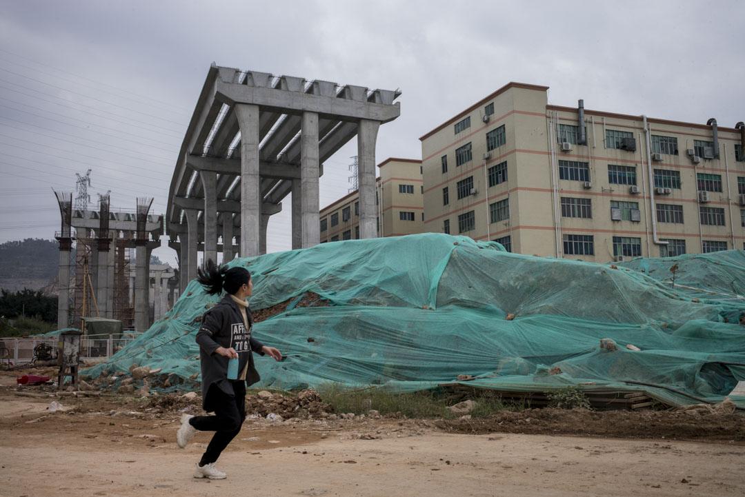 深圳一條興建中的高架天橋。