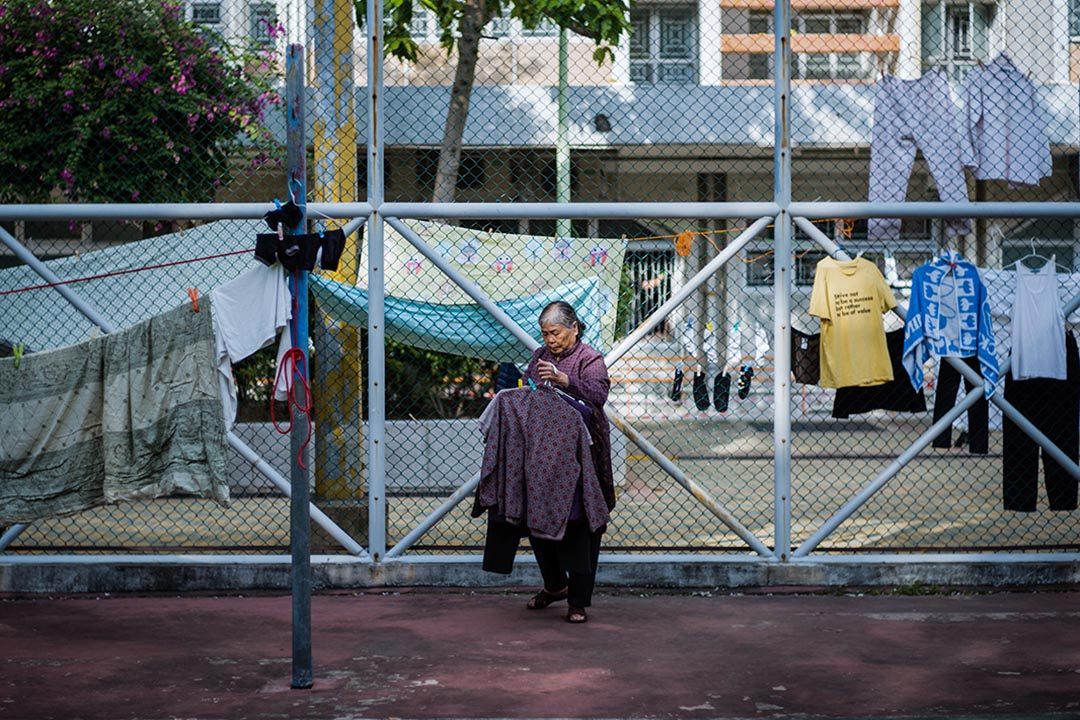 香港長者綜援年齡上調至65歲。 攝:Anthony Wallace/AFP via Getty Images