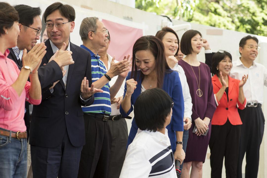 2018年10月4日,陳凱欣報名參選立法會九龍西補選前舉行造勢大會,建制派跨政團支持。