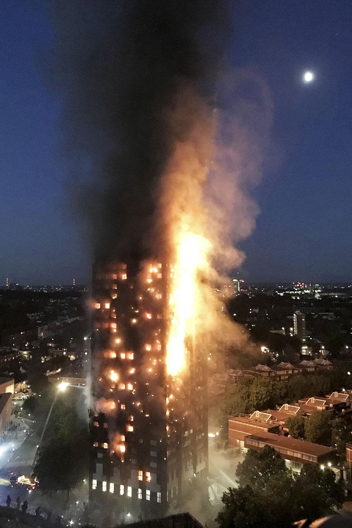 2017年6月14日,英國倫敦西部一棟24層、名為格倫費爾塔(Grenfell Tower)的公寓大樓發生大火。