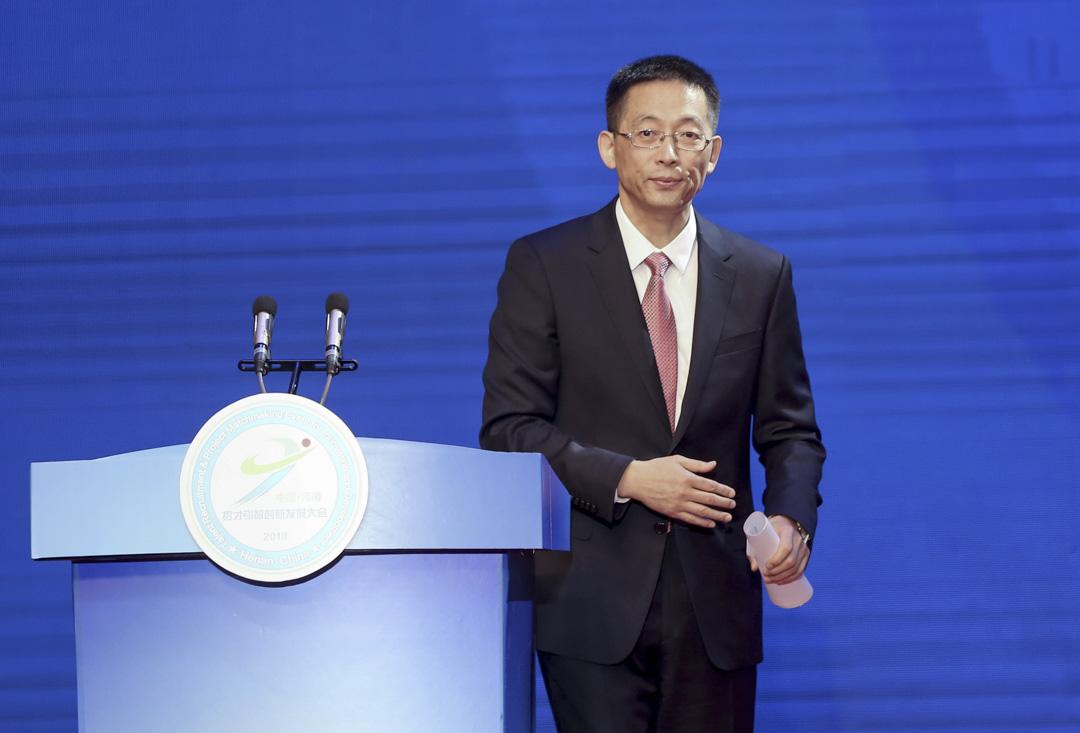 2018年10月27日,河南招才引智創新發展大會上,西湖大學校長施一公發表致辭。