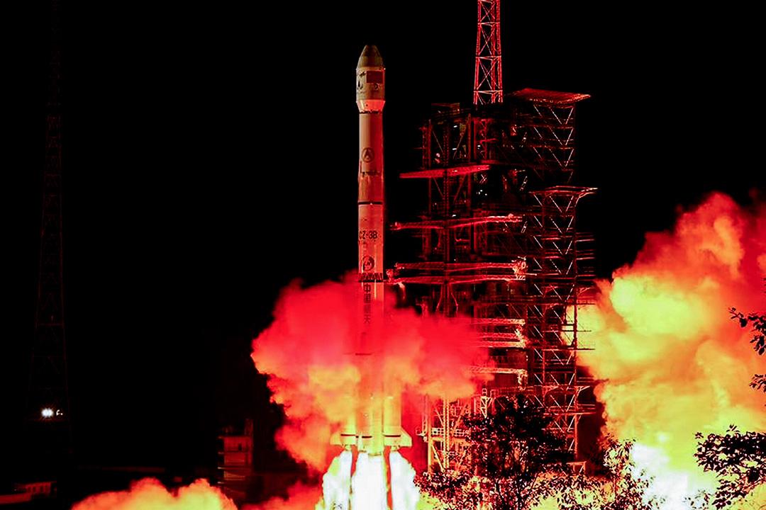 2018年12月8日,搭載嫦娥四號探測器的長征三號乙運載火箭在西昌衞星發射中心點火發射。