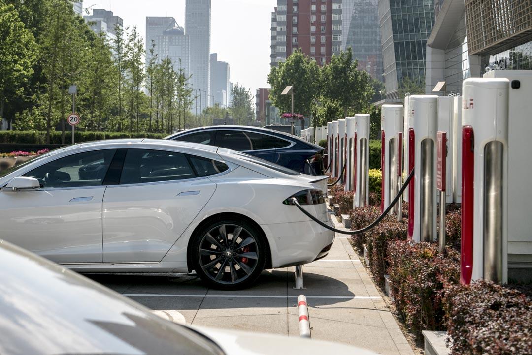 2015年,在習近平的主導下的《京津冀協同發展規劃綱要》,要求天津、河北積極發展新能源智能汽車、雲計算與大數據、新一代移動互聯網等新產業。