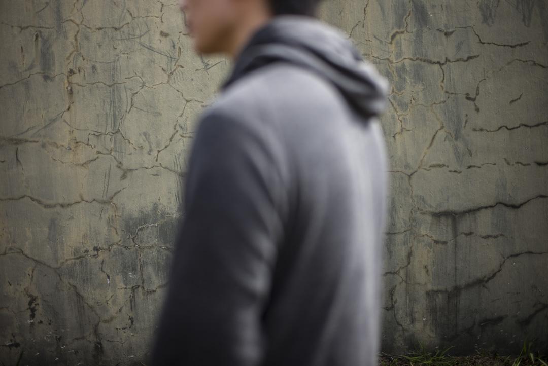 俊榮曾因參與傘運被捕,4年前曾入境內地被拒,理由是威脅國家安全。