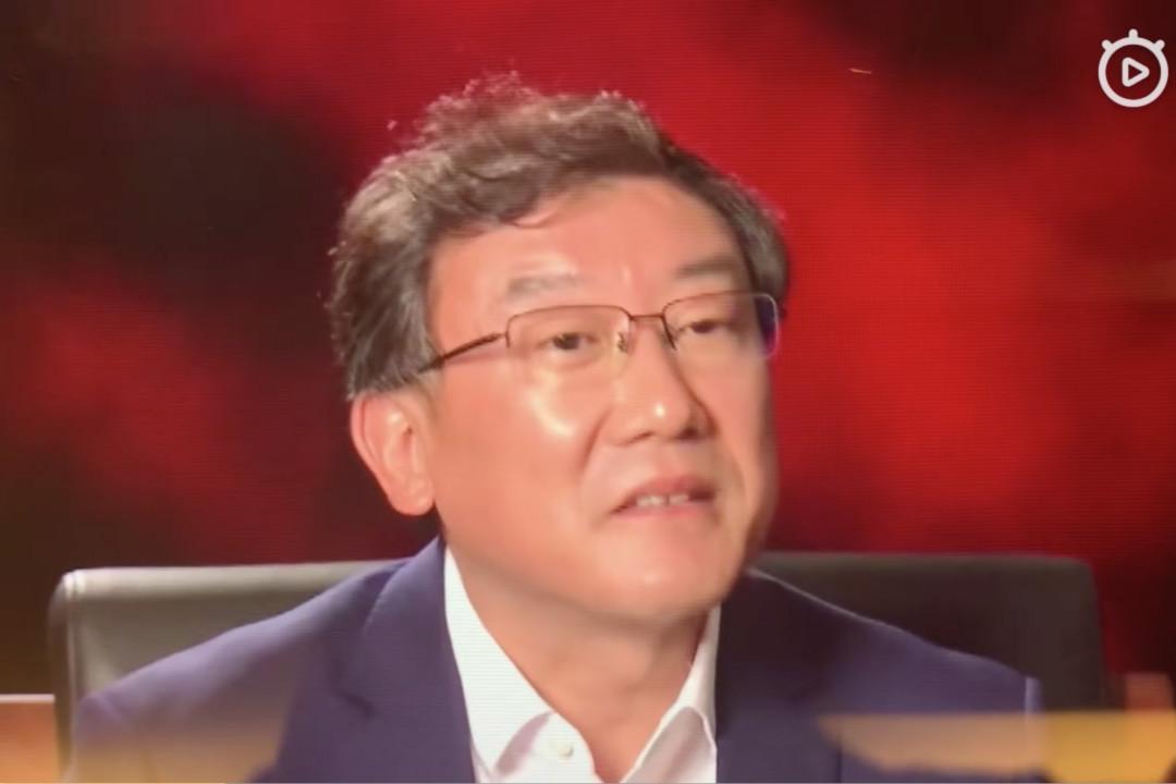 2019年1月2日,中央電視台前主持人崔永元在微博上發布了採訪最高法院法官王林清的錄像片段。 圖片來自網絡視頻。