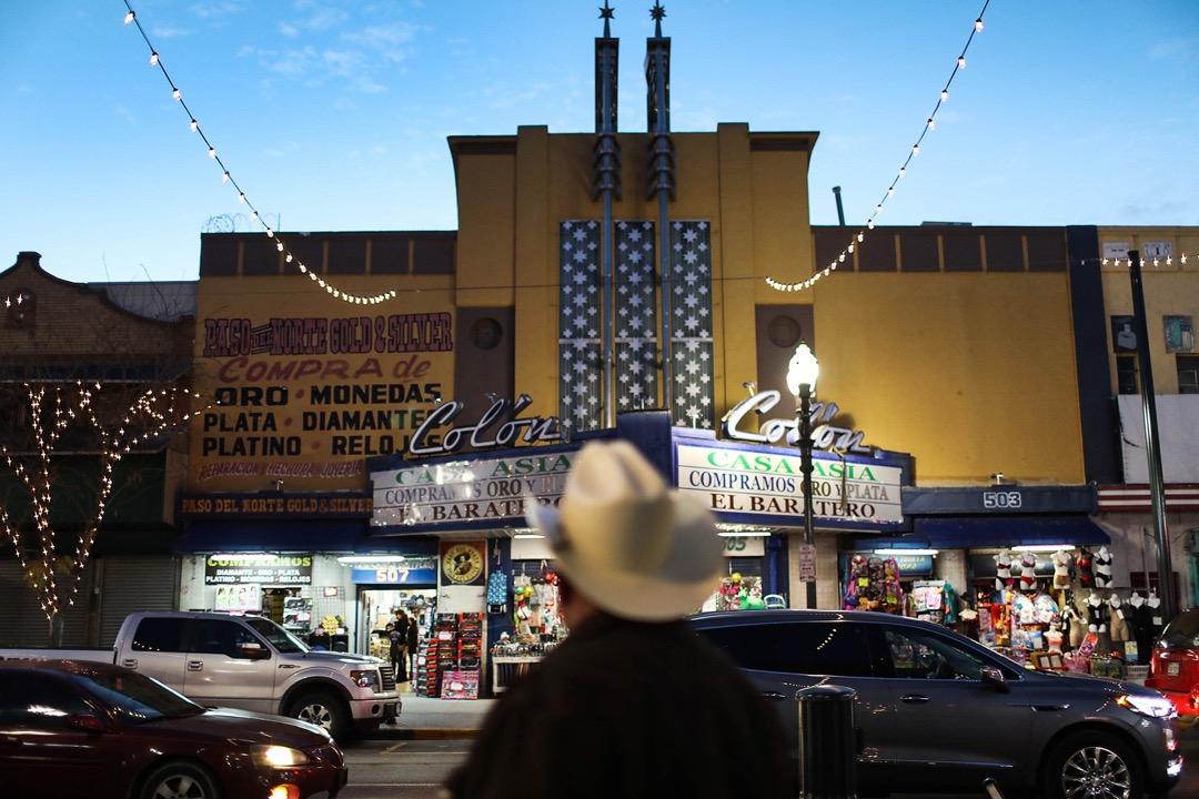 美國德州,近美墨邊境的一家購物中心。