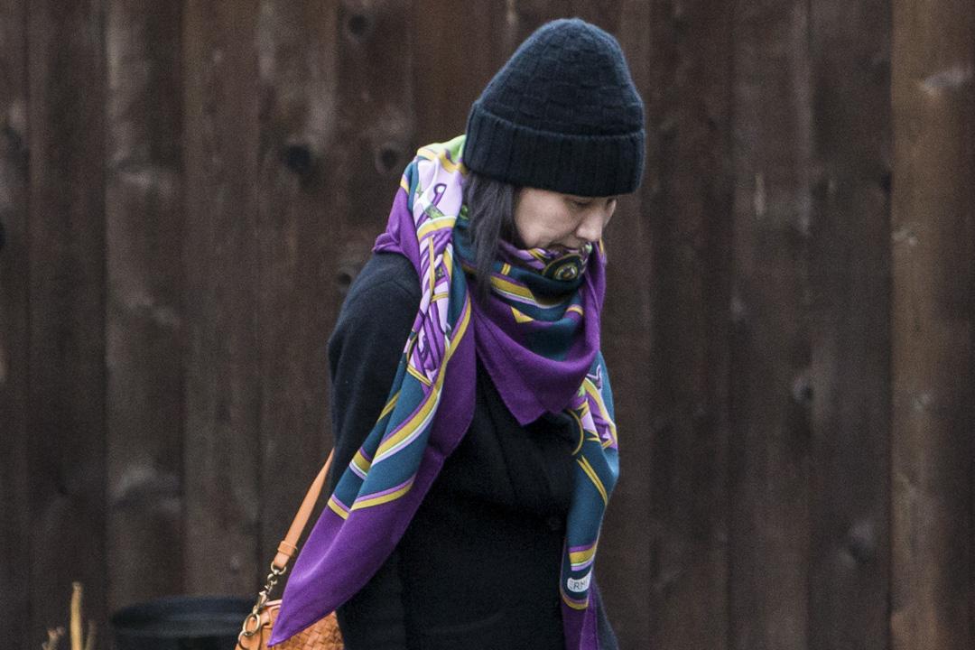 2018年12月12日,華為首席財務官孟晚舟被監視下從加拿大溫哥華的家中離開。