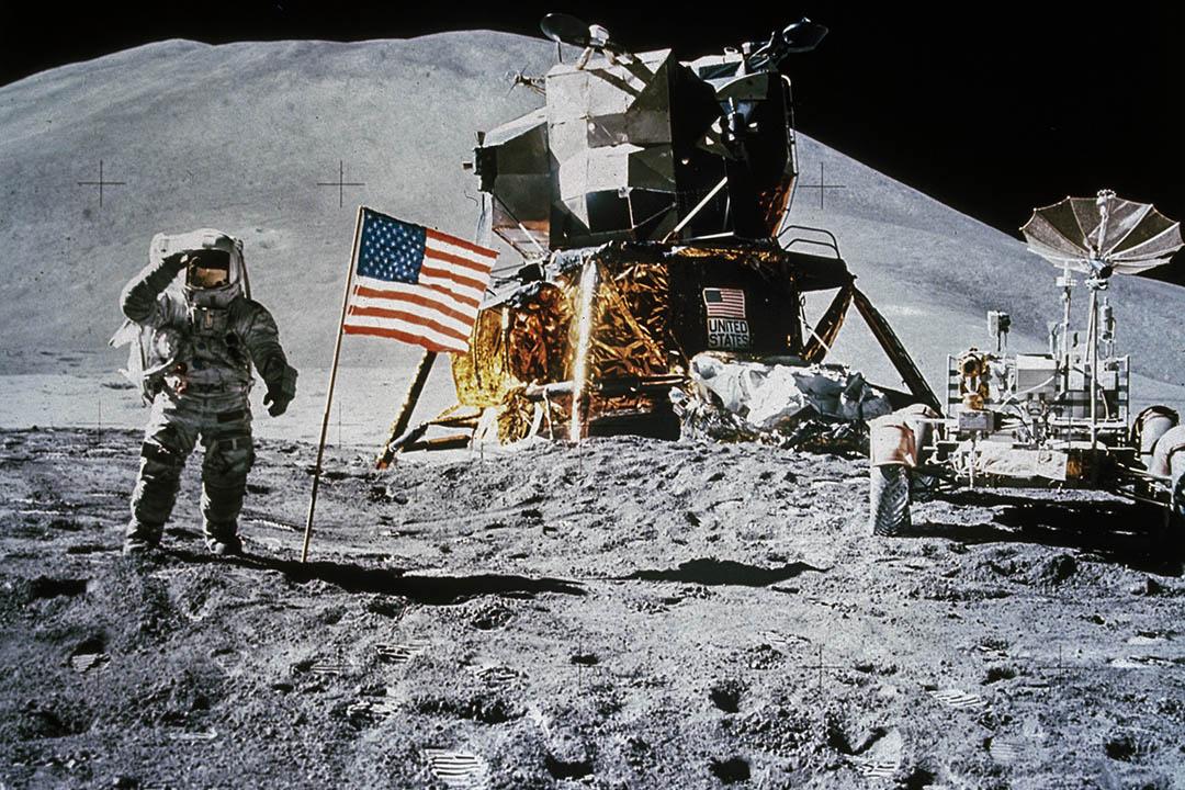 根據1967年的外空條約(outer space treaty),簽約國同意,探索和利用月球和其他天體行星是人類的共同利益,不受個別國家宣示主權,各國不得使用任何手段侵占這些地方。