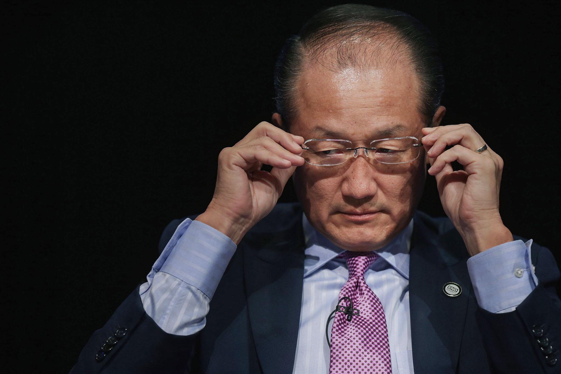 1月7日,世界銀行行長金墉(Jim Yong Kim)在向全體員工發出的一封電子郵件中表示,自己將於2月1日正式離職。  攝:Chip Somodevilla/Getty Images