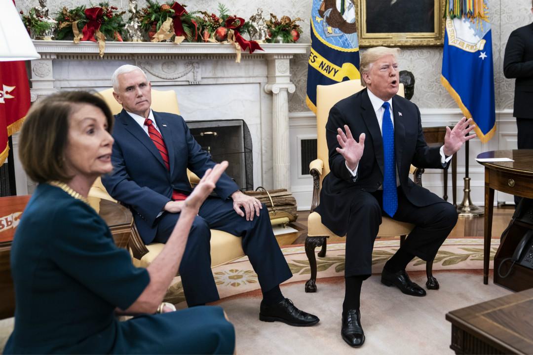 2018年12月11日,白宮橢圓形辦公室,美國總統特朗普爭取民主黨領袖支持為邊境牆撥款。 攝:Jabin Botsford/Getty Images