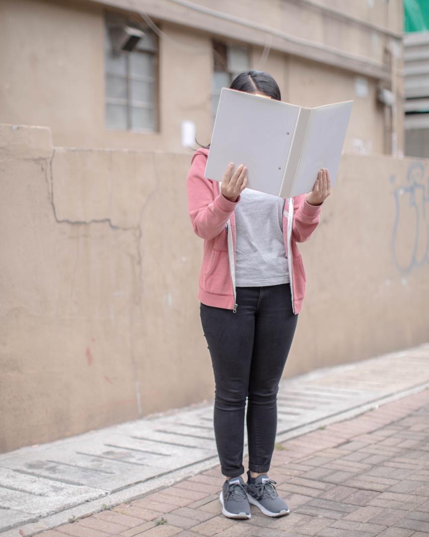 董之英中學前教職員詩雨說,在她工作期間,沒親眼見過欺凌事件,而且通常嚴重的欺凌事件也不會發生在老師面前。