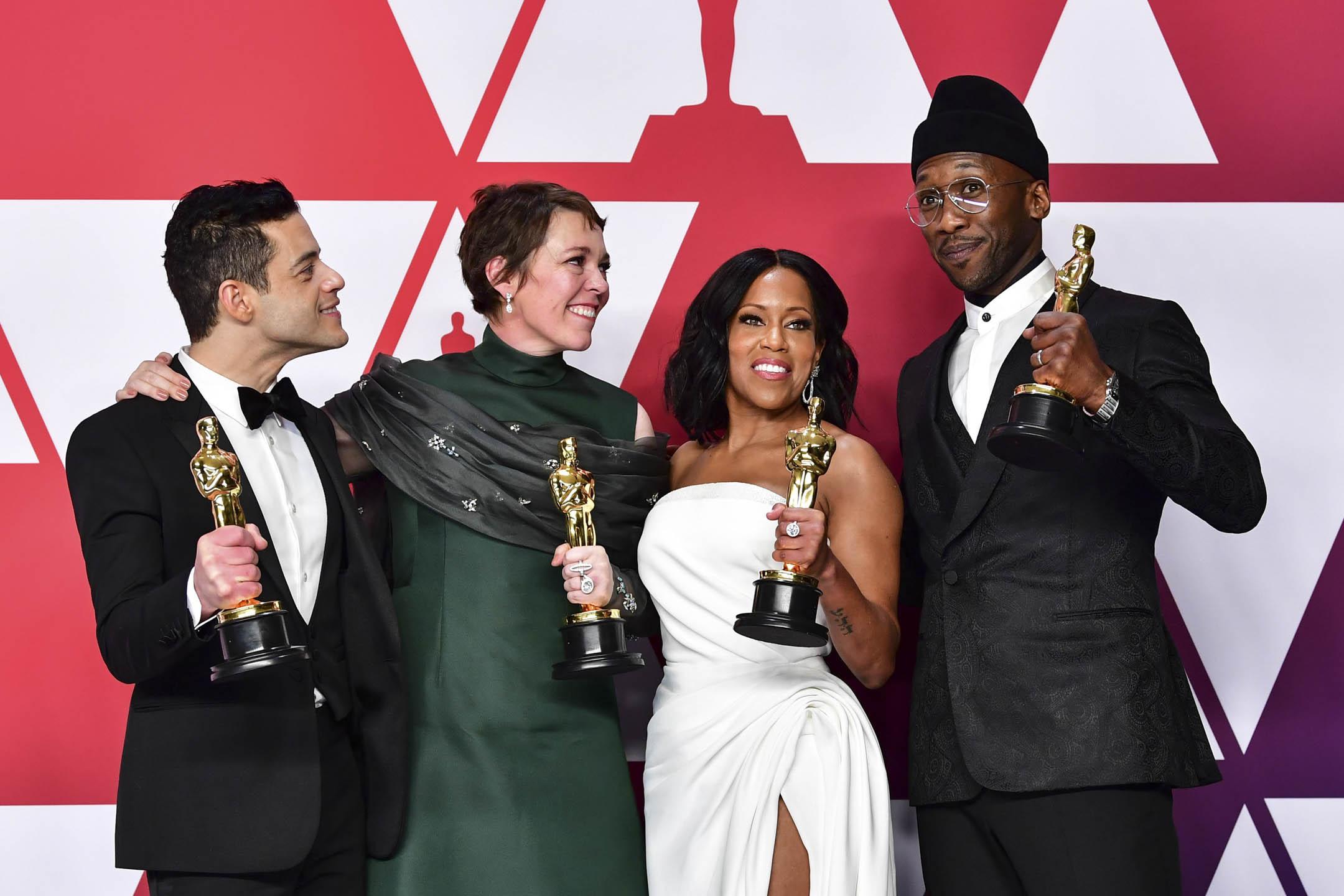 奧斯卡四位表演獎項得主,最佳男主角《Bohemian Rhapsody》Rami Malek、最佳女主角《The Favourite》Olivia Colman、最佳女配角《If Beale Street Could Talk》Regina King及最佳男配角《Green Book》Mahershala Ali。 攝:Frederic J. Brown/AFP/Getty Images