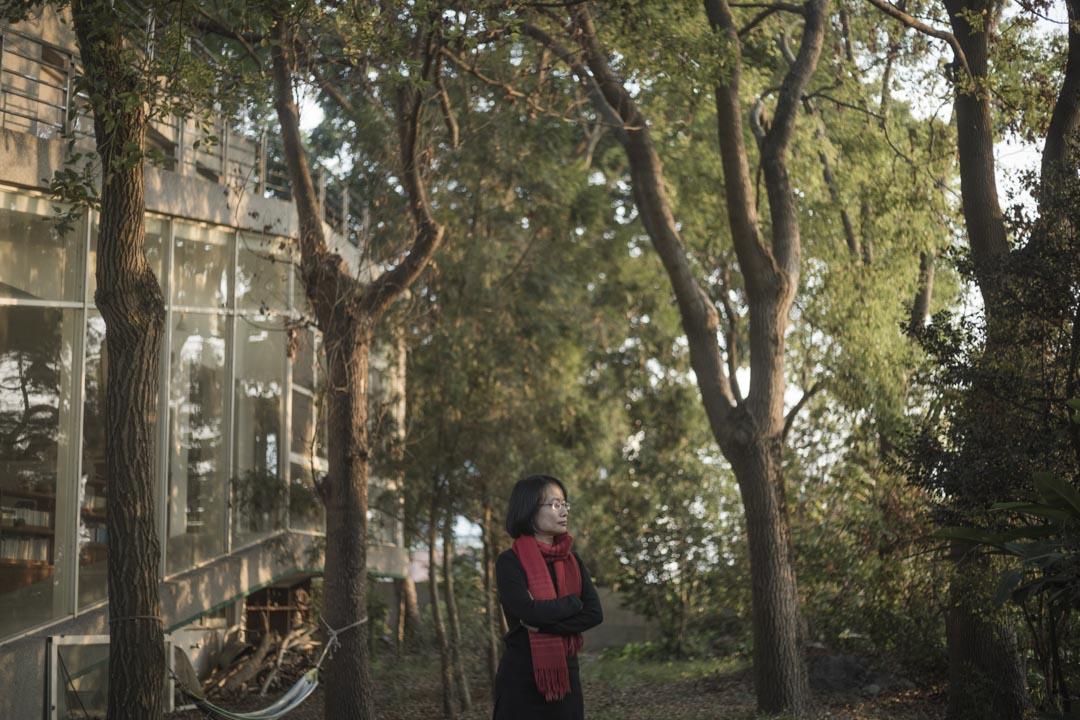 十年前,吳音寧是當時聲名鵲起的新銳農業作家,長達25萬字的台灣農業觀察報告《江湖在哪裡》於2007出版,為讀者描繪出嶄新的農村故事。