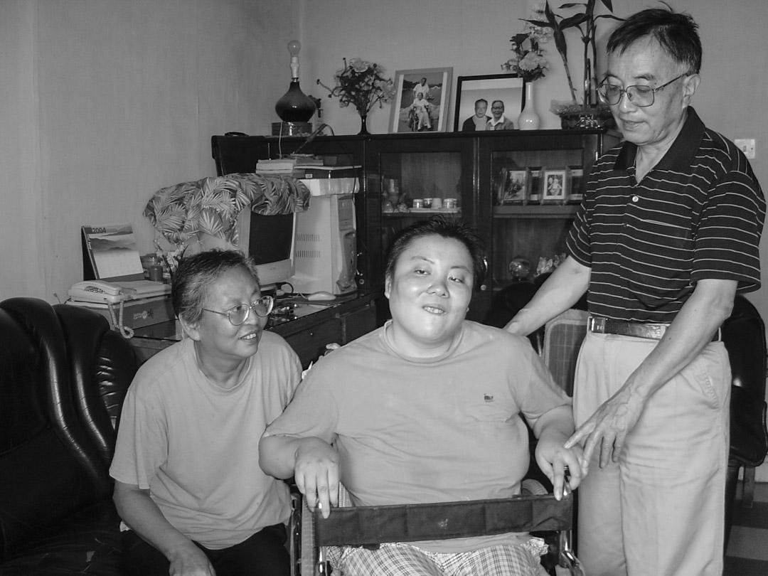朱令與雙親。