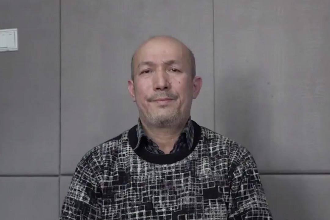 2019年2月10日,中國官方流出維吾爾音樂家黑伊特(Abdurehim Heyit)的錄像截圖。 圖片來自網絡。