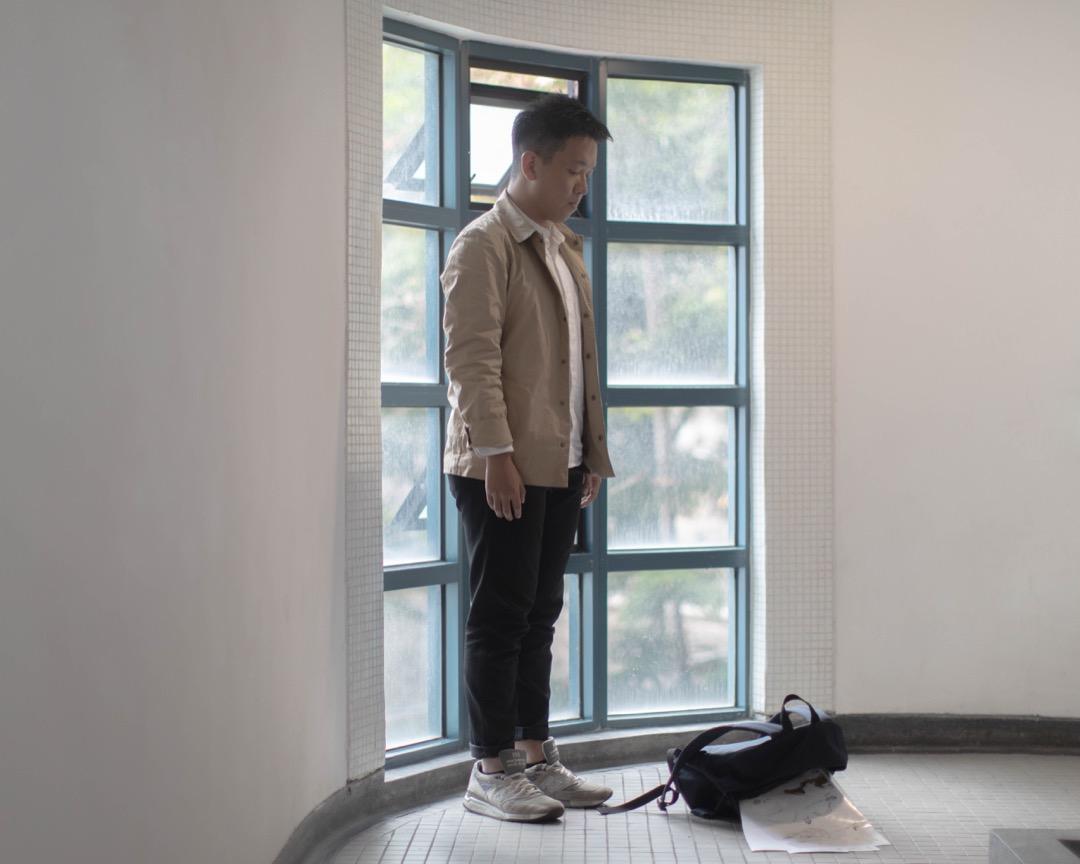 舊生鍾健華曾多次目睹,數名學生在午膳時間將飯盒倒進一名同學的書包裏,再把書包扔到樓下。