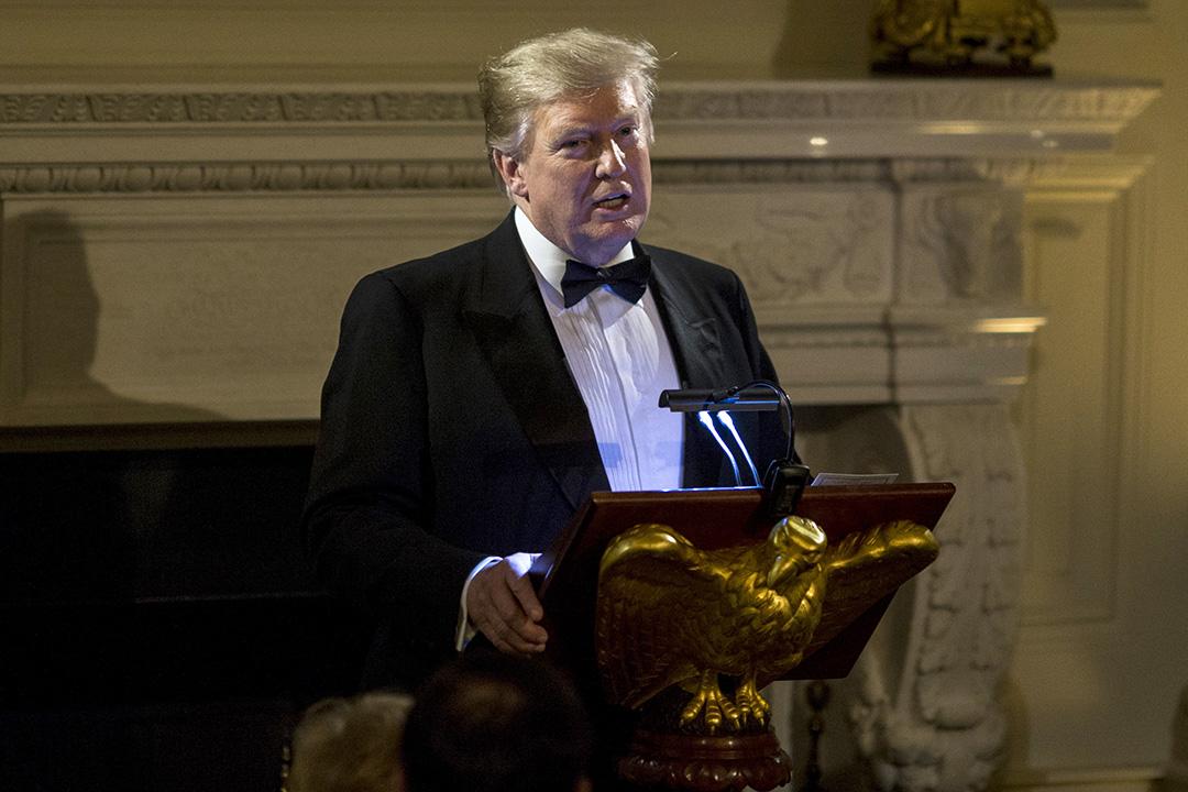 特朗普於週日晚出席州長晚宴時稱,他不急於推動朝鮮半島無核化。 攝:Zach Gibson/Bloomberg via Getty Images