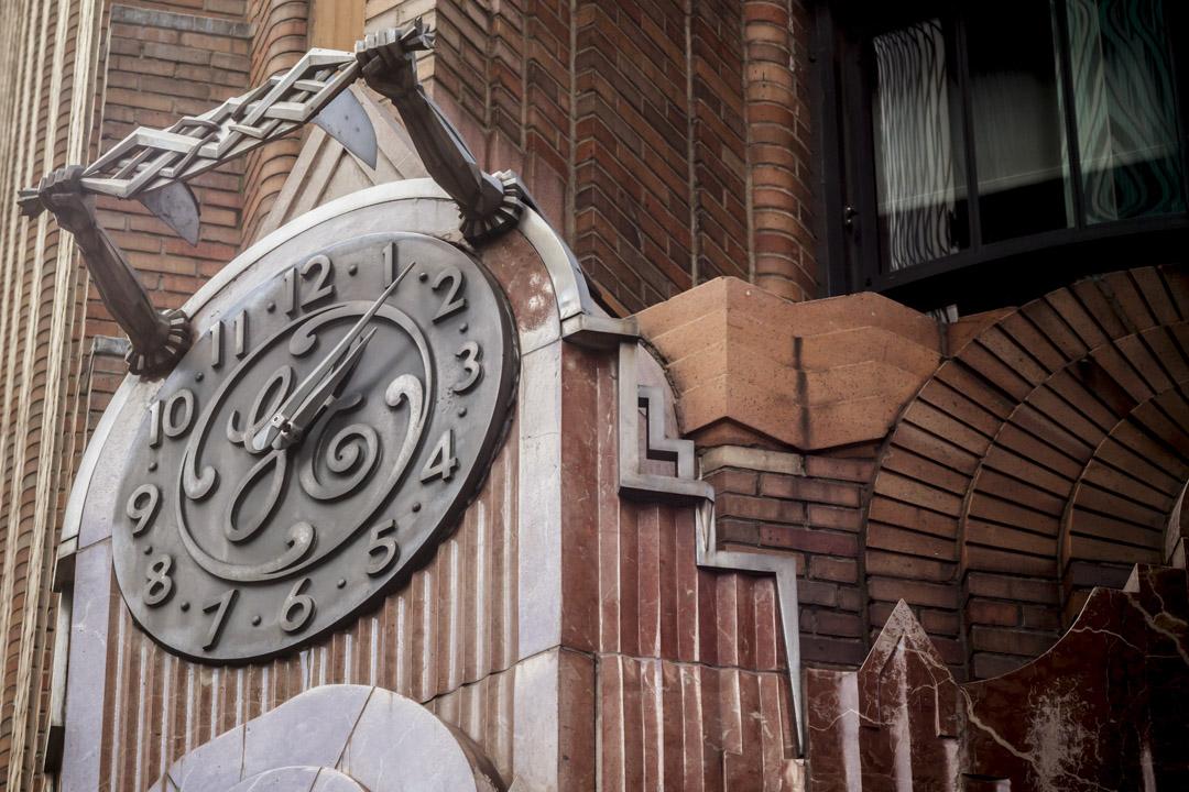 位於美國紐約曼哈頓的通用電氣大樓的時鐘。 攝:Richard B. Levine/Imagine China