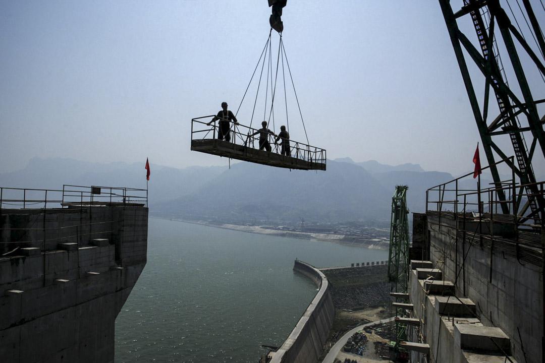2006年5月19日,三峽大壩主體工程最後一倉混凝土正式開始澆築。