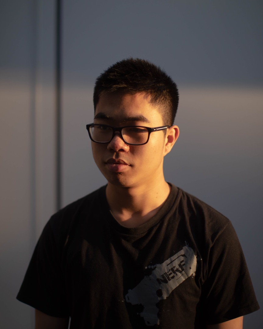 欺凌影片曝光者葉杰鴻說,曾經被同學們欺負,後來又與對方關係漸好。「我心裏很迷茫,既被打,又和他們是朋友,不知道自己在做什麼。」