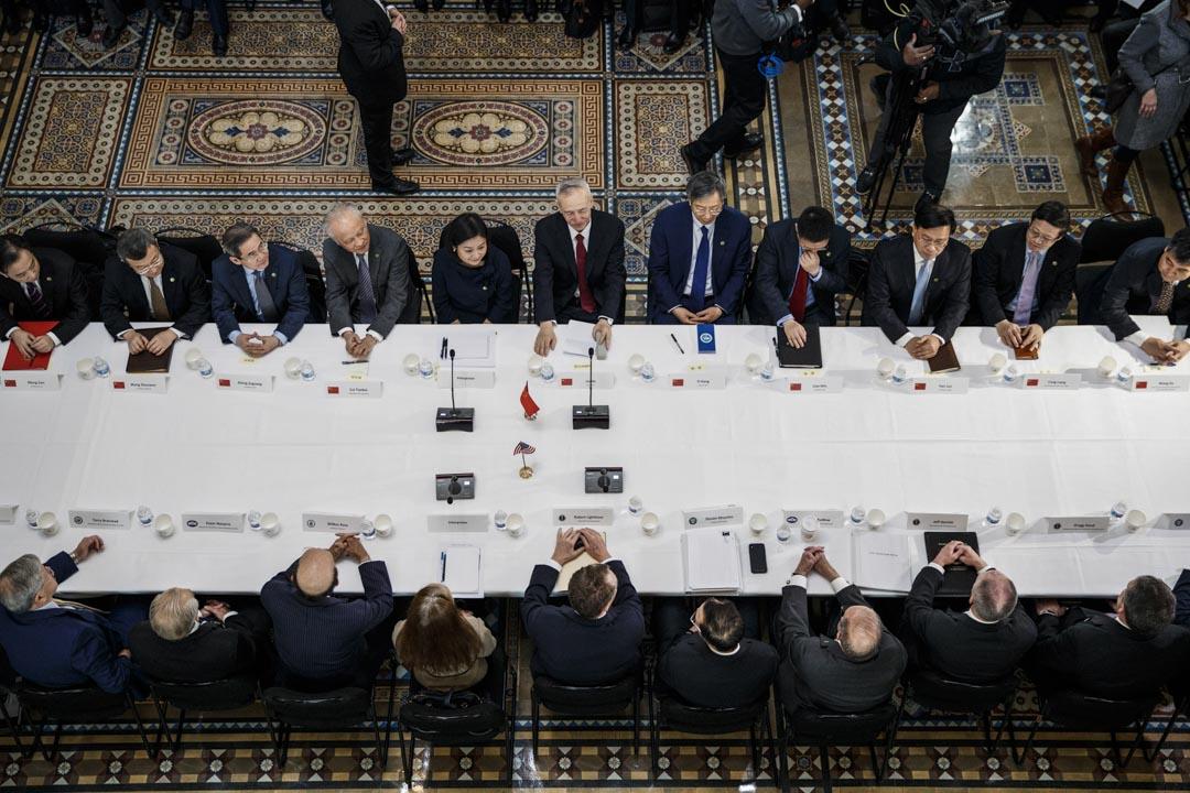 2019年2月21日,美國華盛頓,劉鶴與美國貿易代表萊特希澤、財政部長姆努欽等在美國白宮共同主持第七輪中美經貿高級別磋商開幕式。