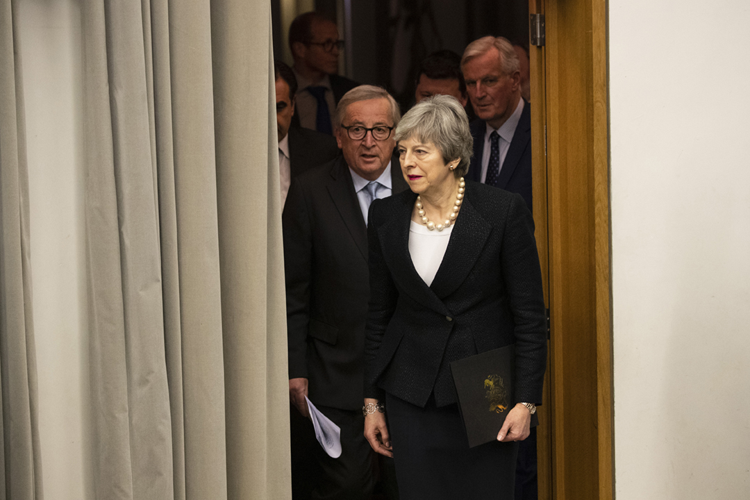 2019年3月11日,英國首相文翠珊(Theresa May)與歐盟委員會主席容克(Jean-Claude Juncker)在法國斯特拉斯堡會面後見記者。 攝:Alex Kraus / Bloomberg via Getty Images