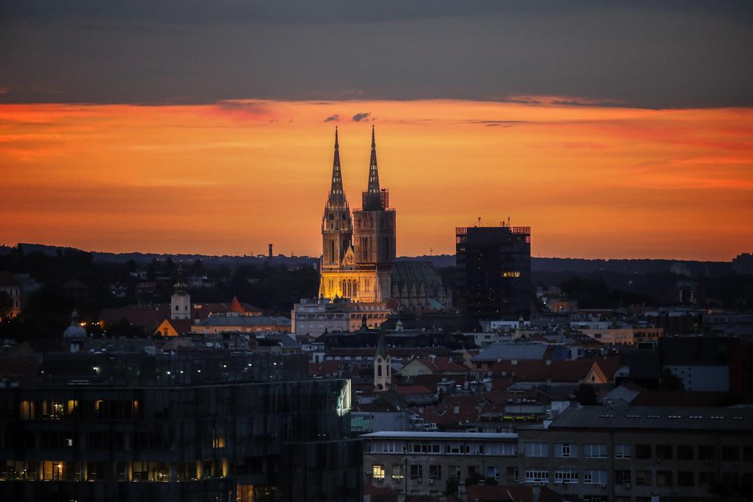 2018年7月15日,太陽在克羅地亞薩格勒布市的上空升起。 攝:Srdjan Stevanovic/Getty Images