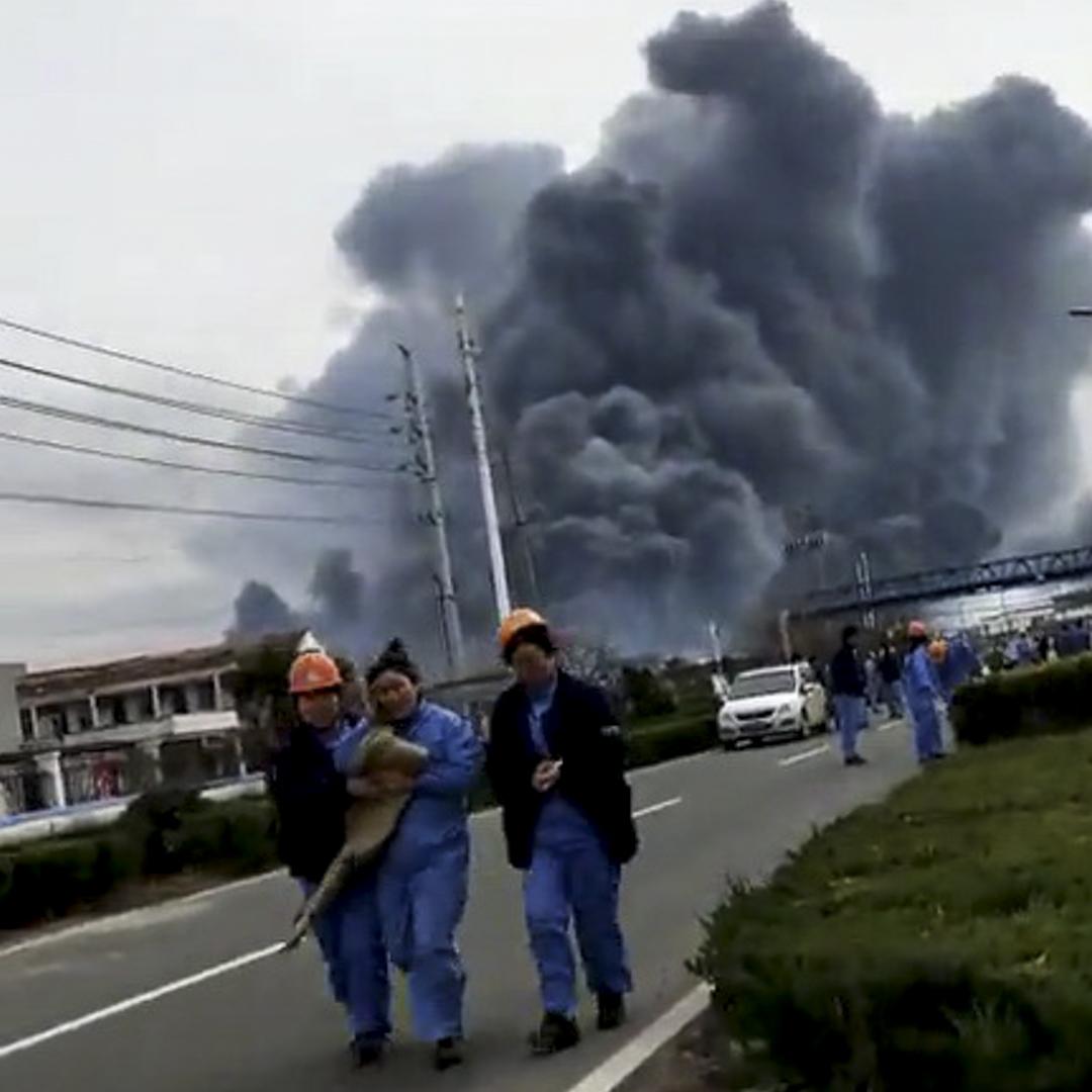 江蘇鹽城市響水縣一化工爆炸現場。