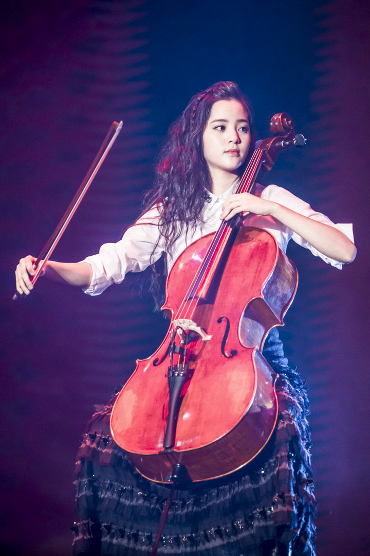 2017年7月20日,歐陽娜娜出席深圳舉行的2017 MTV全球華語音樂盛典。