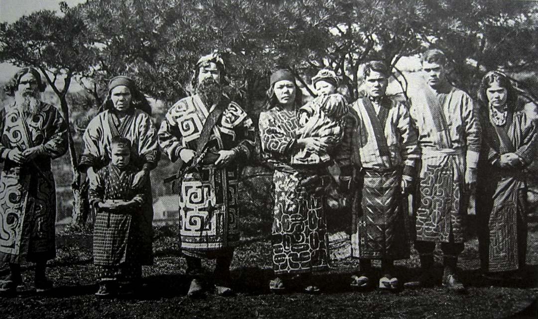 愛努族的照片,1904年攝於日本東京。