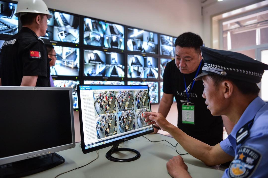中國一所中學將電子監控裝置引進校園。 攝:VCG via Getty Images