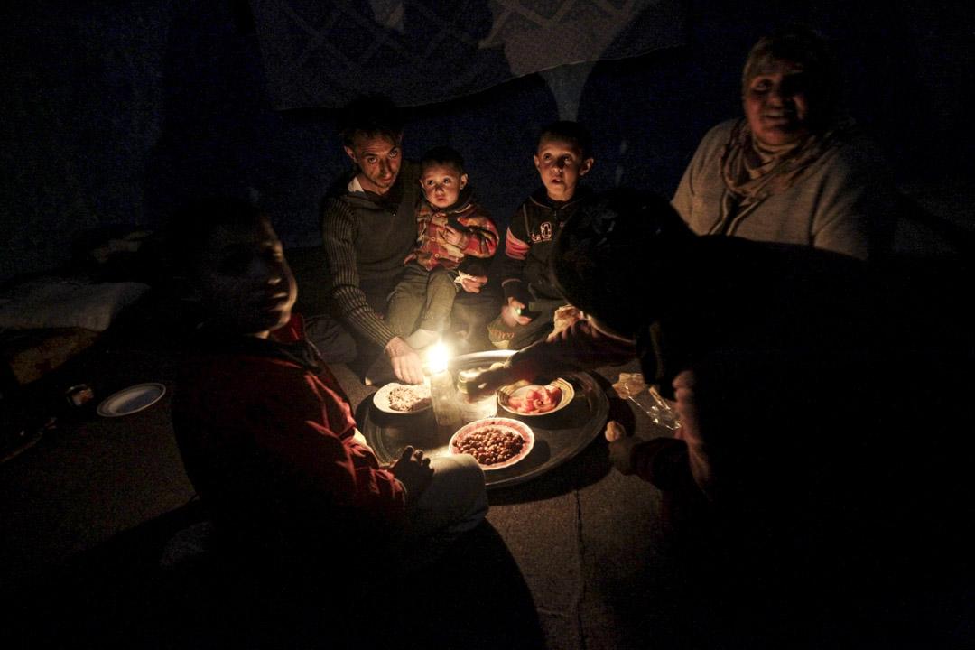 2017年底,七成以上生活在黎巴嫩的敘利亞難民尚未獲得合法居留,生活在貧困線以下,這其中,九成以上缺乏足夠的食物。