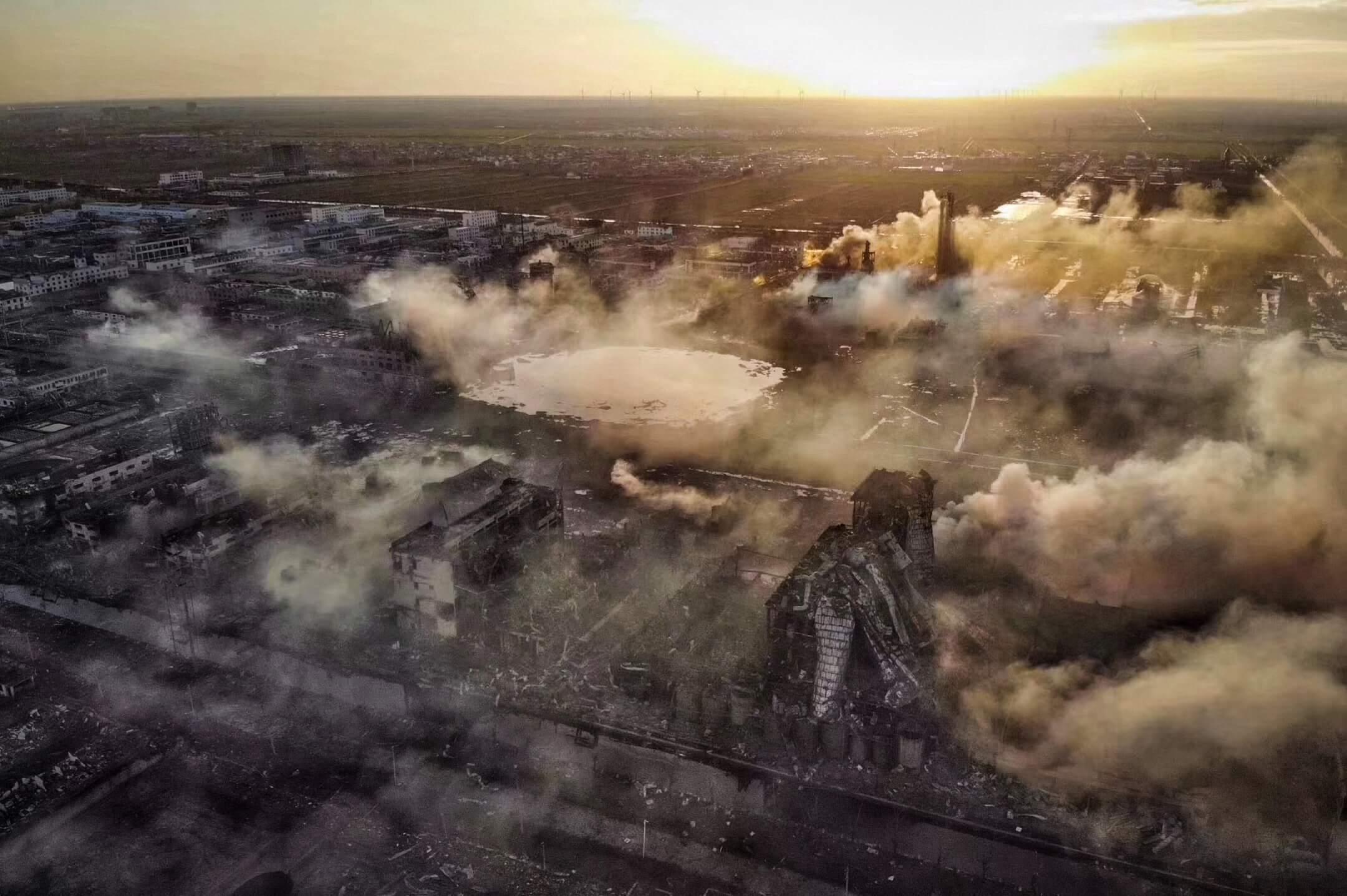 2019年3月21日,江蘇省鹽城市響水縣陳家港化工園區發生爆炸後,廠區完全被摧毀,留下一個大坑。 網上圖片