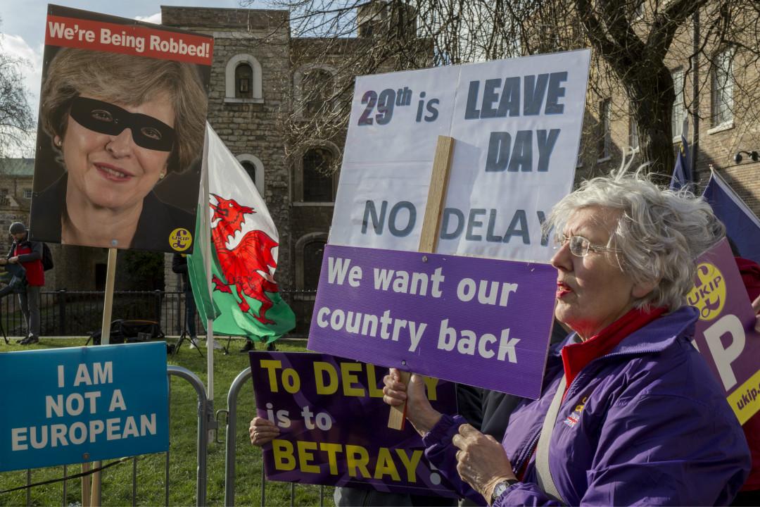 2019年3月14日,支持脫歐的英國民眾在國會外抗議。 攝:Richard Baker/Getty Images