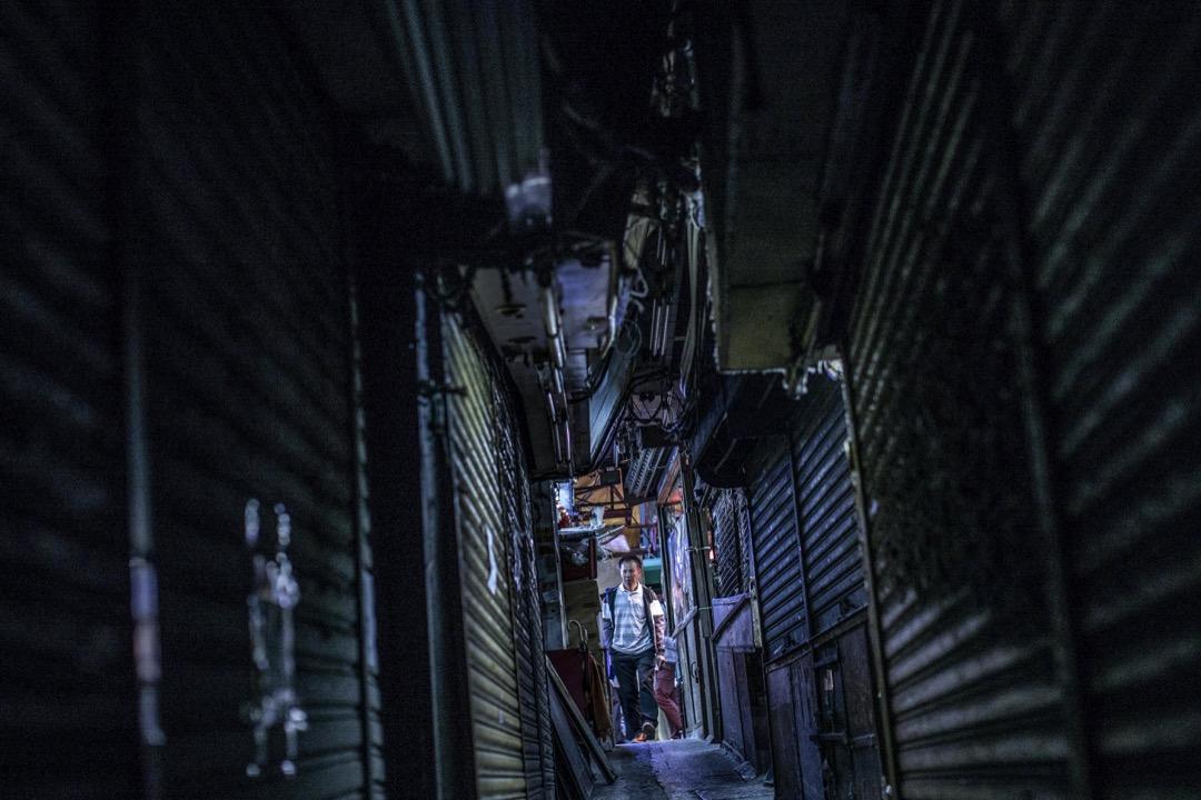 裕民坊的其中一條小巷,曾經容納了多家小店,如今都關閉了。
