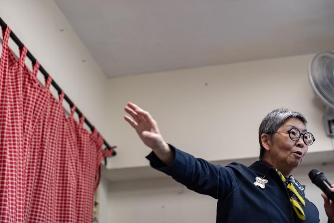 吳靄儀為第二場「雨傘運動關鍵詞」做分享嘉賓,以「拆大台」為切入點,談談這場運動留下的遺產。 攝:Stanley Leung/端傳媒