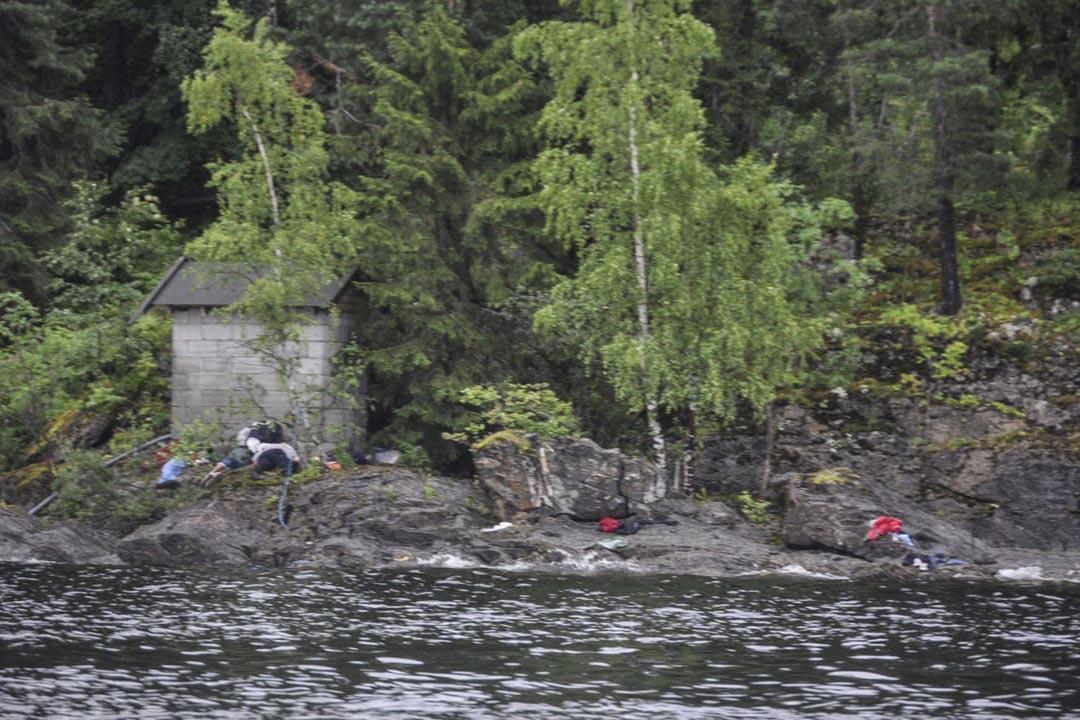 2011年7月22日,挪威Utoya島的一個夏季青年營發生恐怖事件後,很多受害者躺在地上。