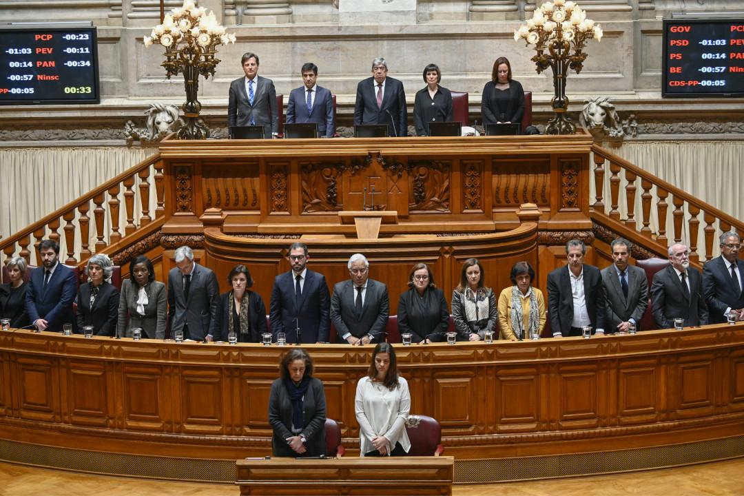 2019年3月7日,葡萄牙首個家庭暴力遇害者哀悼日,議會全體默哀一分鐘。 攝: Horacio Villalobos/Getty Images