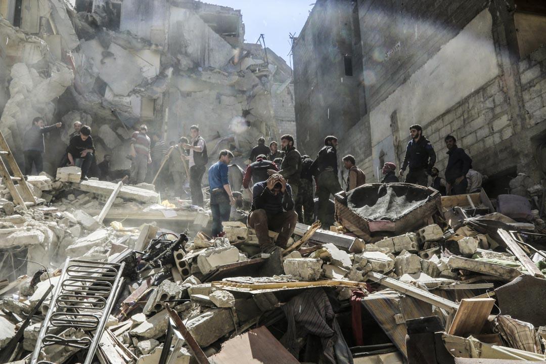 敘利亞的八年內戰最後由敘利亞總統阿薩德領導的政府軍大致控制局面,但戰爭已知造成超過37萬人死亡。