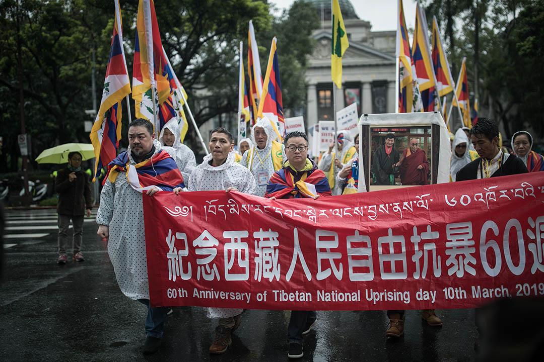 2019年3月10日,羅文嘉參加西藏抗暴60周年遊行。