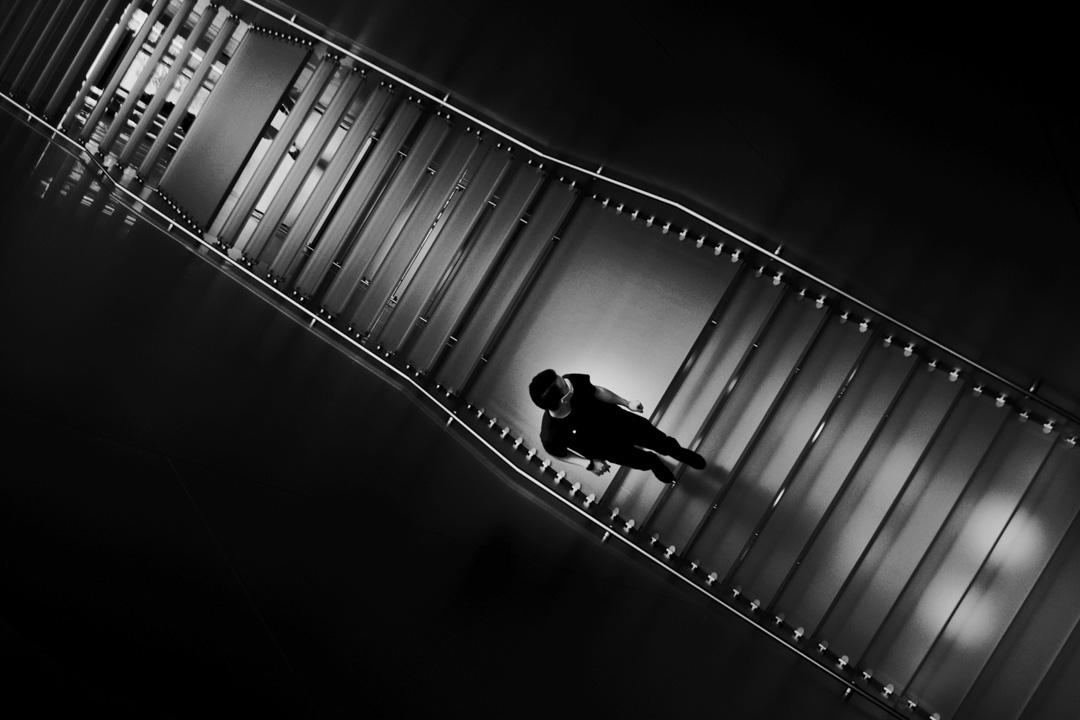 《獨》Solitary,生活這階梯,是否人人皆獨行?