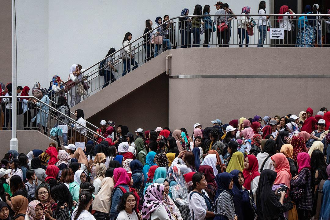 2019年4月14日,香港尖沙咀街坊福利會大批印尼人排隊投票。