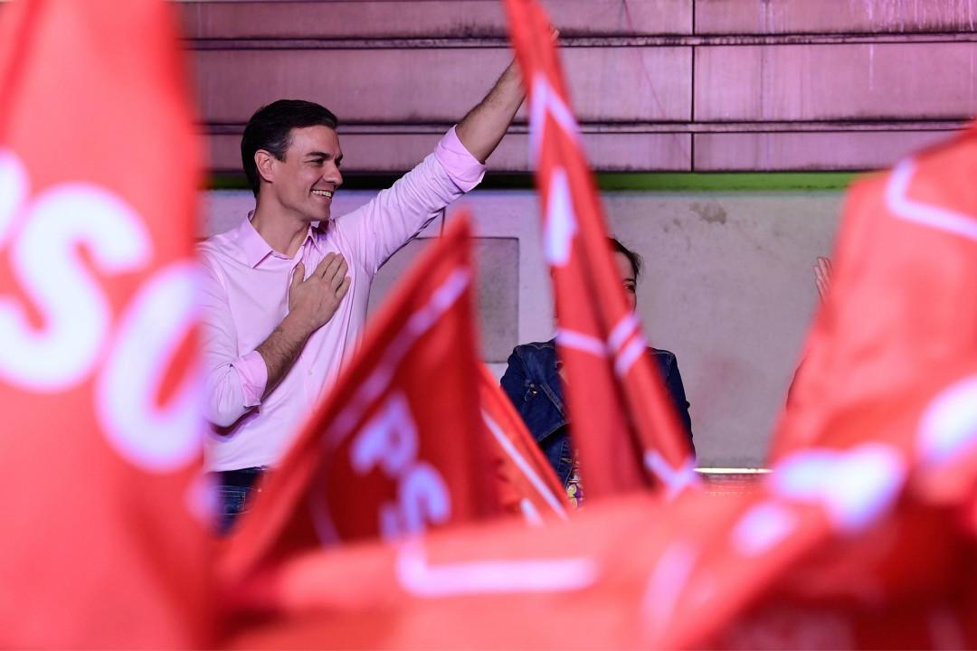 2019年4月28日,西班牙大選,總理桑切斯(Pedro Sanchez)所在的工人社會黨(PSOE)領先。 攝:Javier Soriano/Getty Images