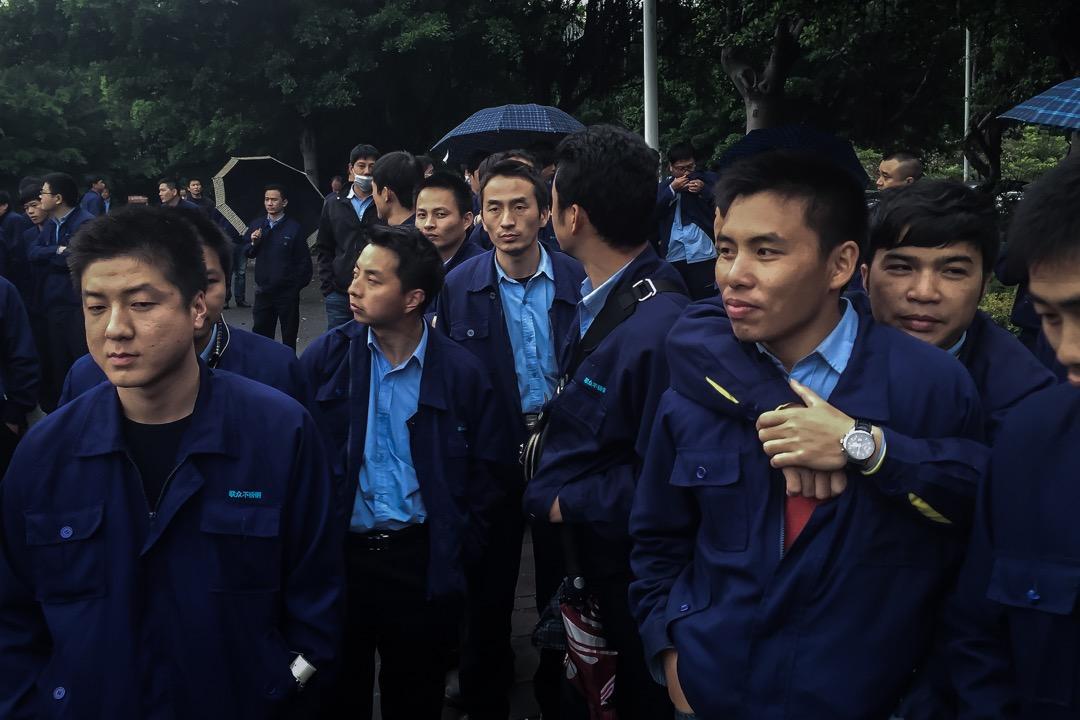 在中國勞動者權益保障普遍缺失,勞資關係制度性地偏袒資方的環境下,農民,體力勞動者,甚至是一般的公司白領,處境都並不更好。「996」之歎背後,是中國特色的技術焦慮。 攝:Billy H.C. Kwok/The Washington Post via Getty Images