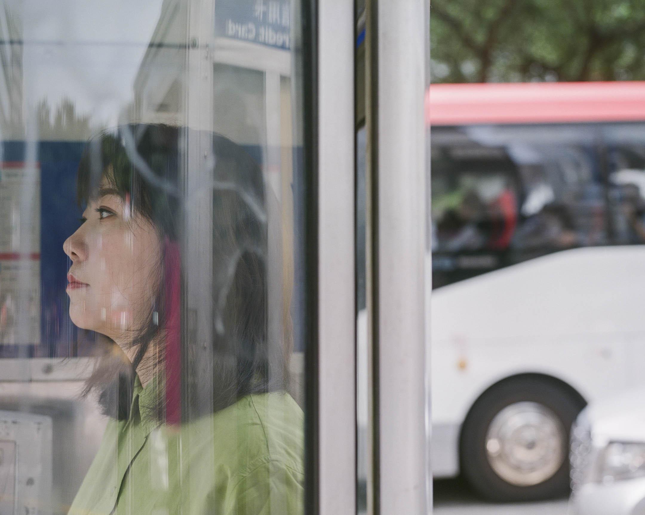 白雪執導的《過春天》是華語影壇第一部以深港跨境學童為題材的電影,「水貨客」、「單非兒童」,這兩個長期充滿中港政治意涵的群體,在電影中被具象化為一個個有故事的個體。 攝:林振東/端傳媒