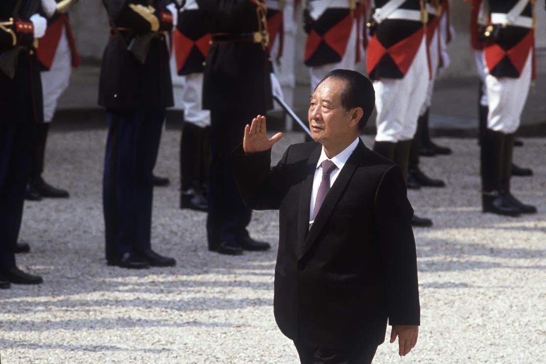 中國共產黨總書記胡耀邦於1986年對法國進行國事訪問。 攝:Jacques Langevin/Sygma via Getty Images