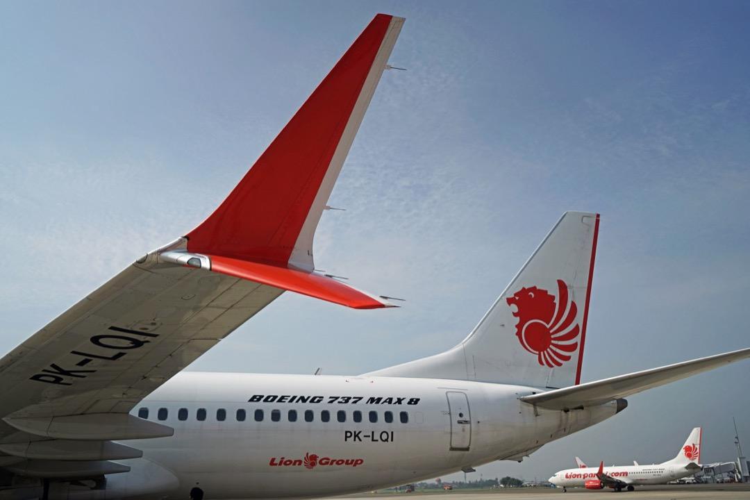 被禁飛的獅航波音737 Max型號客機,停泊在印尼蘇加諾-哈達國際機場。